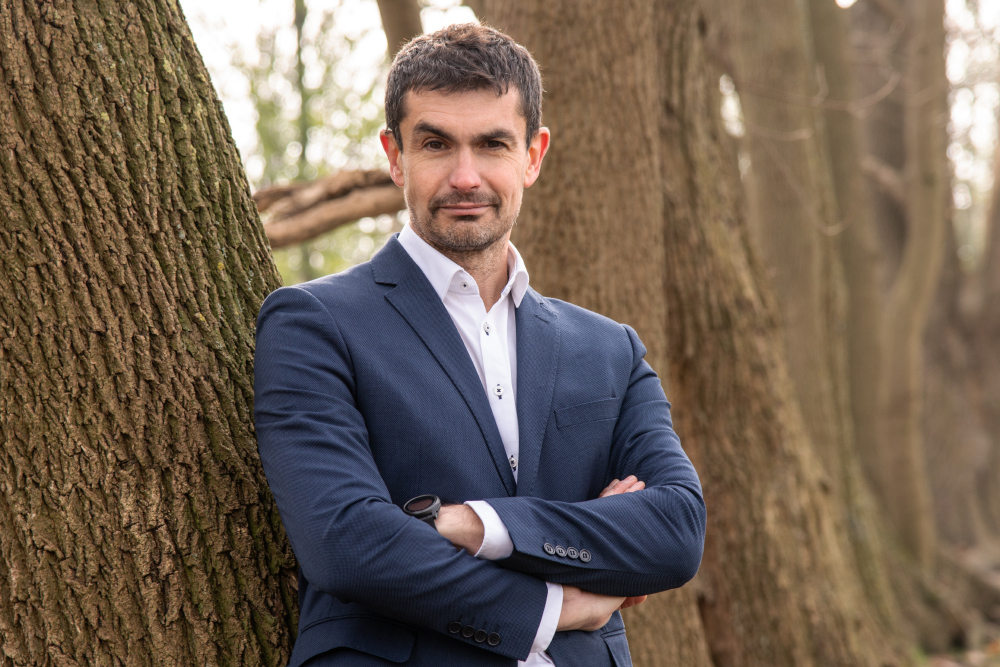 Dr. Jorge Guerra González - Anwalt des Kinder